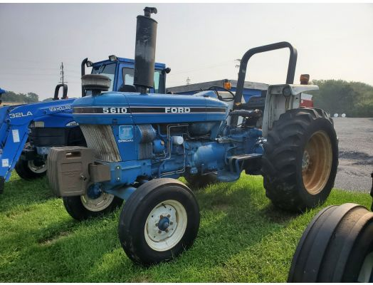 Ford 5610 II tractor