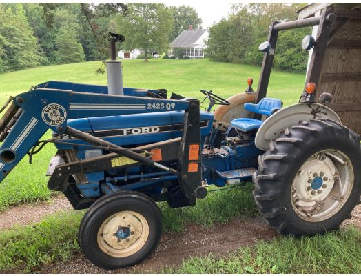 Ford 2810 II with loader