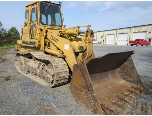 CAT 963 crawler loader