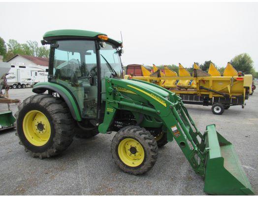 John Deere 4320 cab loader tractor