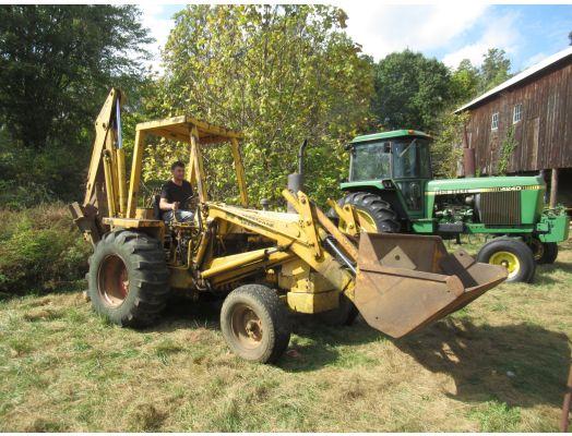 Case 580B tractor loader backhoe