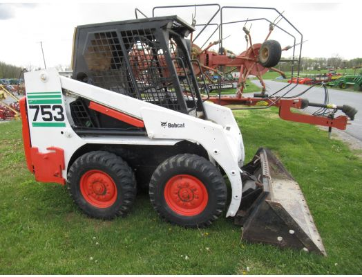 Bobcat 753 skid loader
