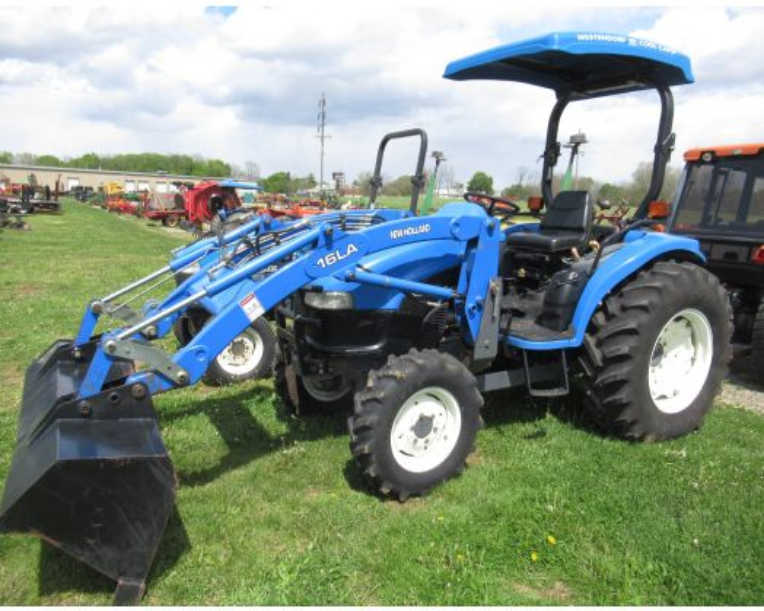 New Holland TC40 4x4 loader