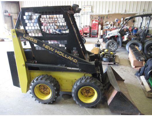New Holland L255 skid loader