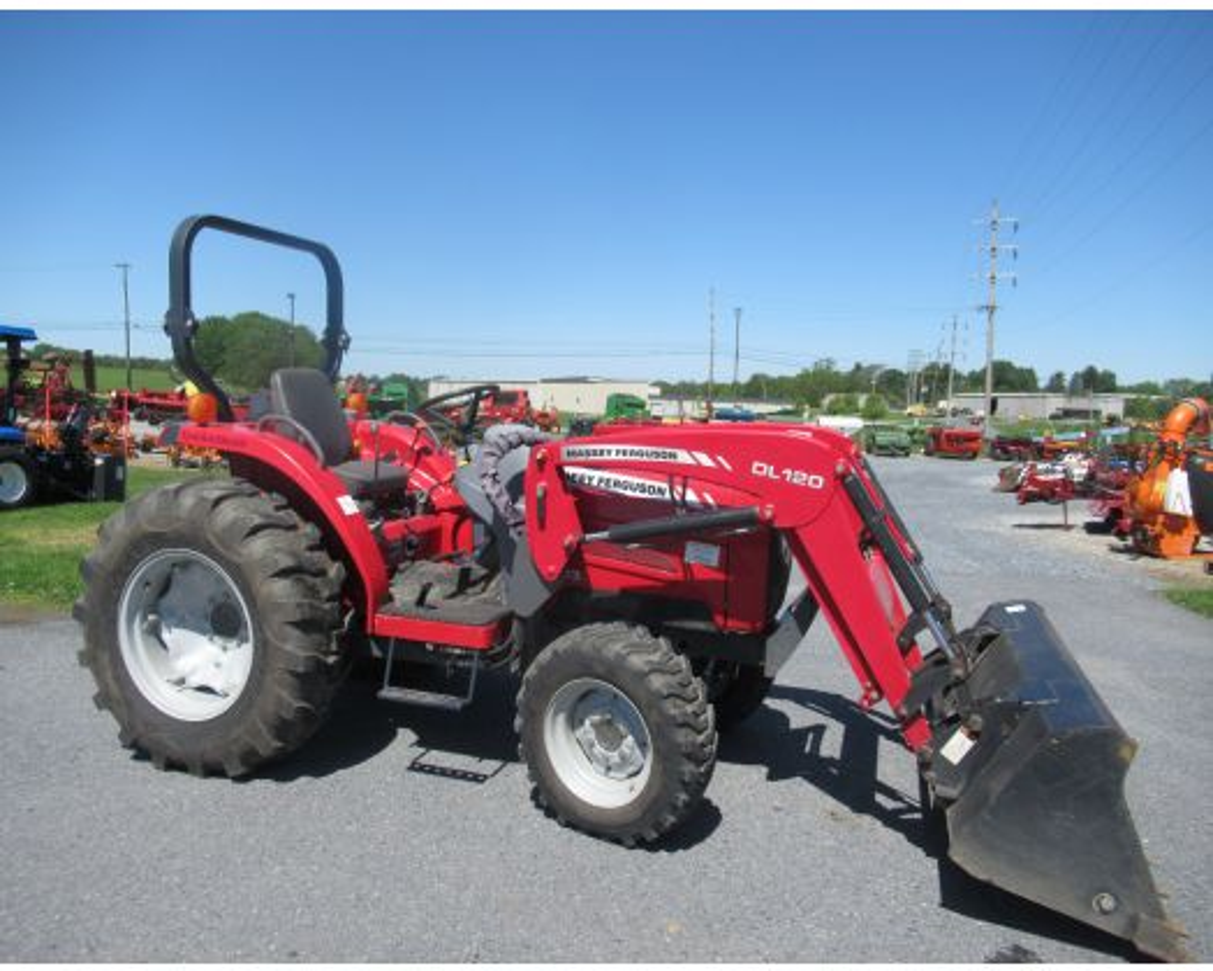 Massey Ferguson 1533 4x4 loader