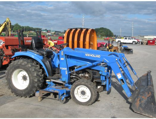 New Holland TC33 4x4 loader