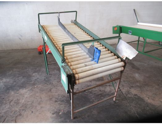 AZS produce elevated roller table