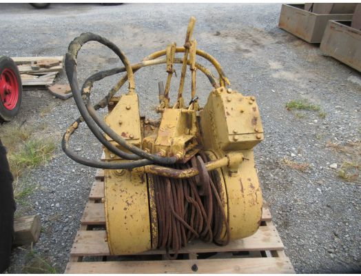 Hyster D4E winch for back of crawler