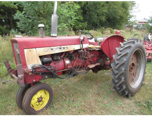 Farmall 404 tricycle tractor