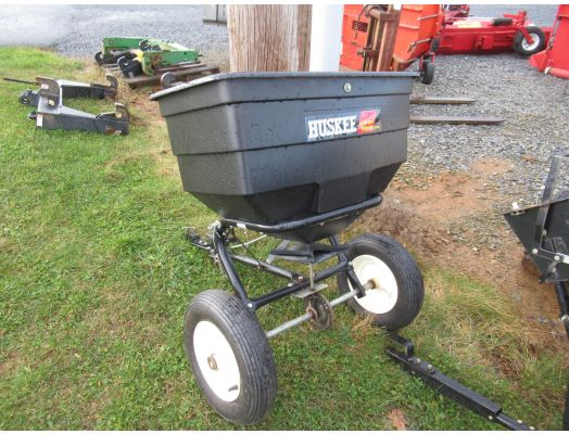 Huskee pull type lawn spreader