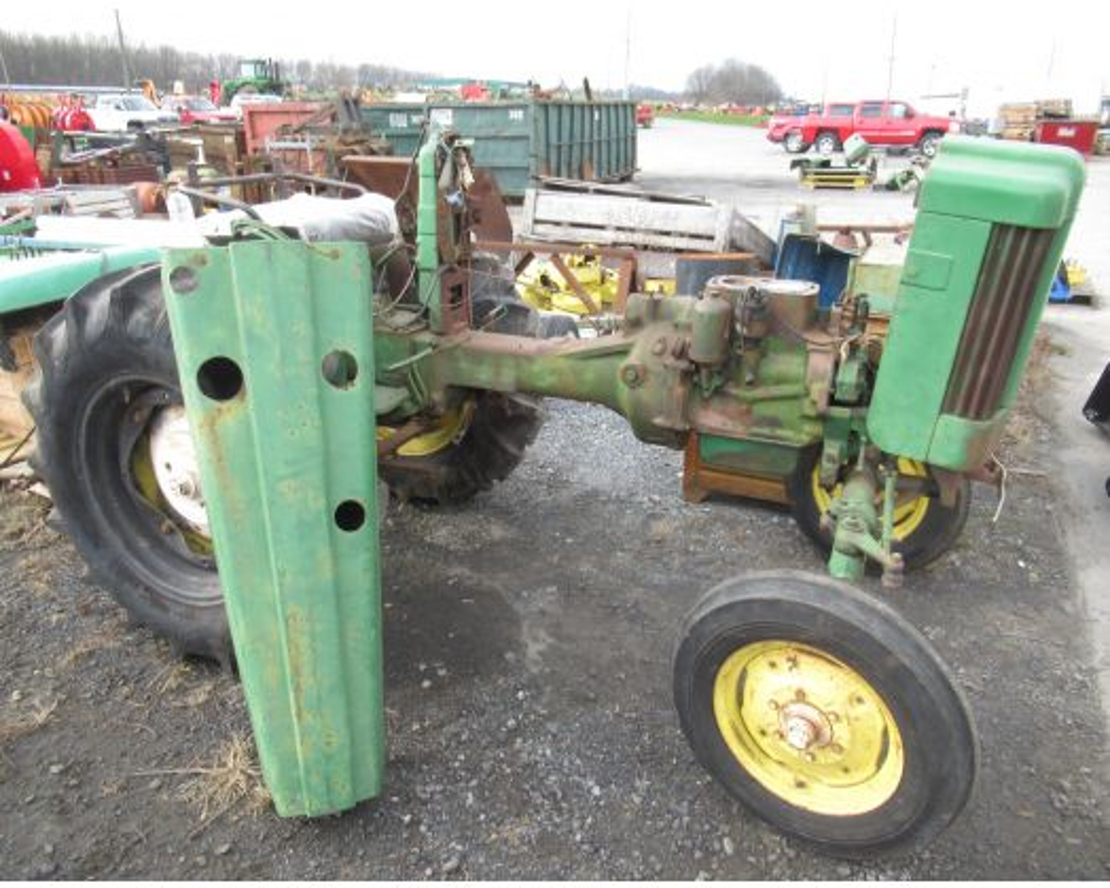John Deere 320S tractor (dis-assembled)