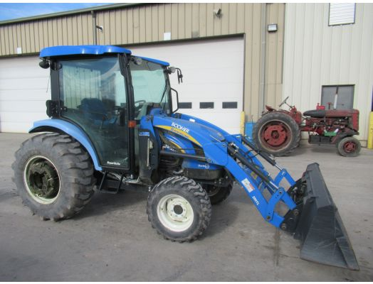 New Holland 3040 4x4 cab loader