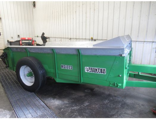Frontier MS1223 manure spreader