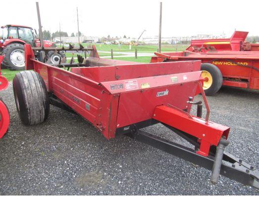 Case IH 550 manure spreader