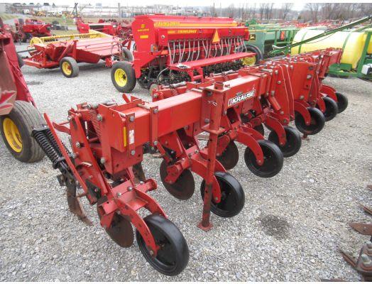 """Krause 4730 6R 30"""" no till cultivator"""