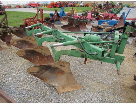 John Deere 325 3x 3pt plow