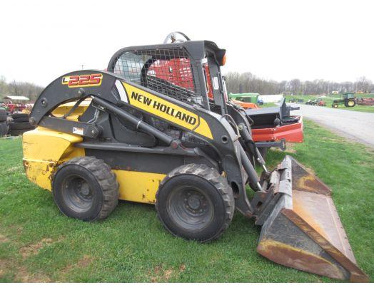 New Holland L225 skid loader