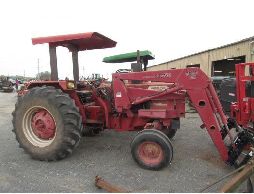 International 684 with 2255 loader