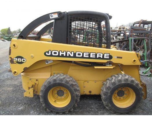 John Deere 260 skid loader