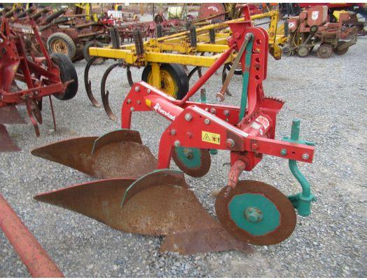 Kneverland 2x 3pt plow