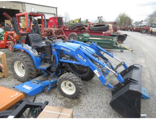 New Holland TC18 4x4 loader