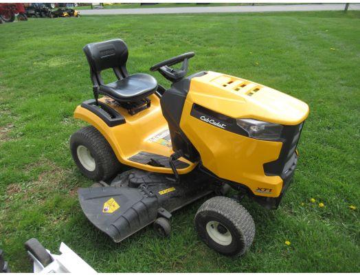 """Cub Cadet XT1 50"""" lawn tractor"""
