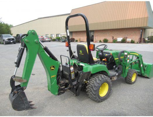 John Deere 2305 loader backhoe & mower