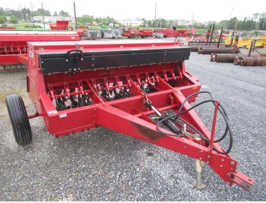 Case IH 5100 8' grain drill