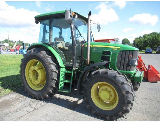 John Deere 6115D 4x4 cab tractor