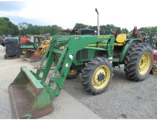 John Deere 5220 4x4 loader