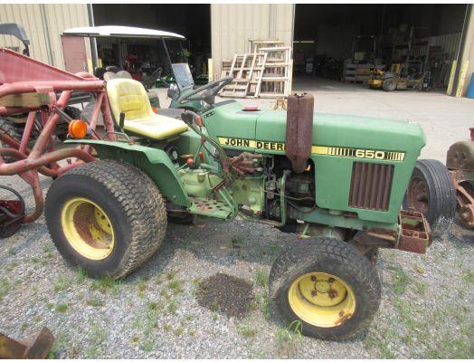 John Deere 650 4x4 tractor