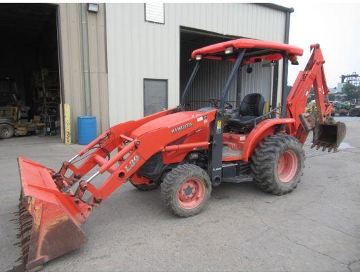 Kubota L39 tractor loader backhoe