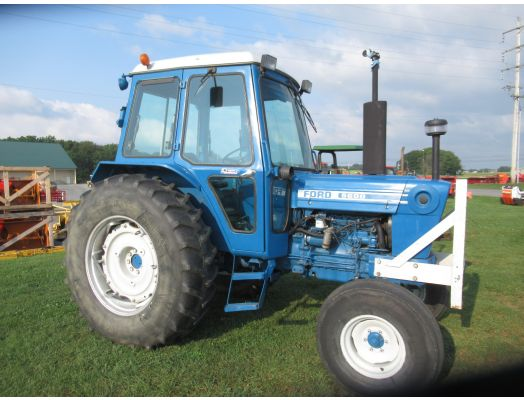 Ford 5600 cab tractor