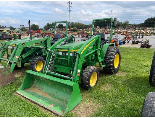 John Deere 3005 4x4 loader