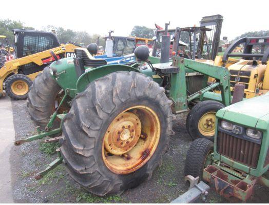 """John Deere 2240 w/ 145 loader """"rear end issue"""""""