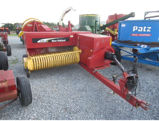New Holland 570 baler with thrower