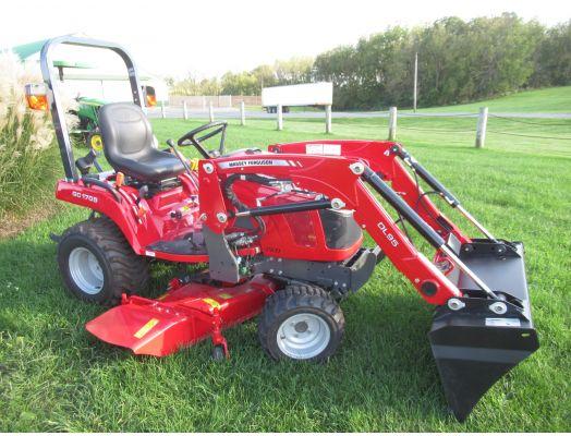 Massey Ferguson GC1705 4x4 loader mower