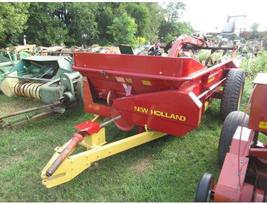 New Holland 512 manure spreader
