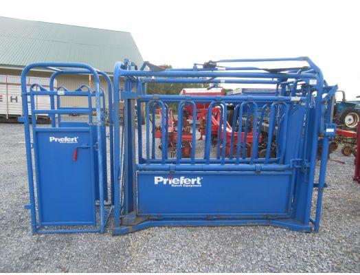 Priefert cattle head gate