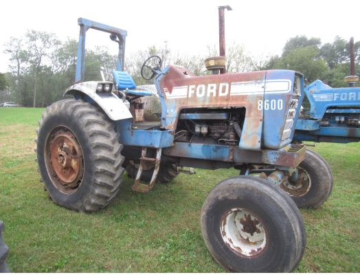 Ford 8600 tractor