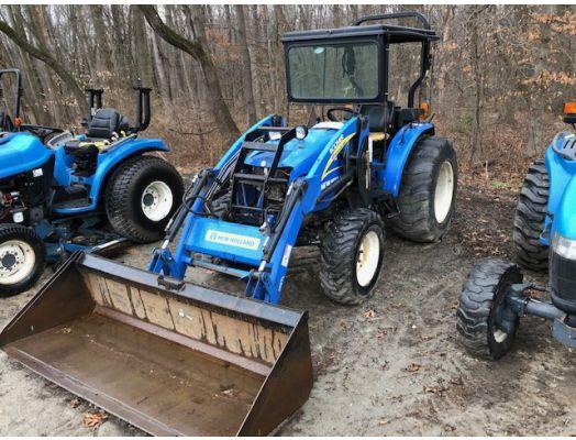 New Holland Boomer 50 4x4 loader