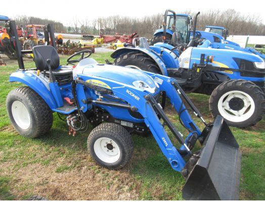 New Holland Boomer 20 4x4 loader
