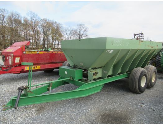 Spread Master 16' litter / fertilizer spreader