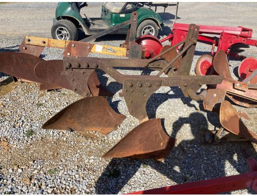 John Deere 2x 3pt plow