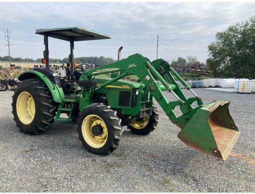 John Deere 5520 4x4 loader tractor