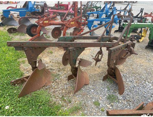 Oliver 3x 3pt plow