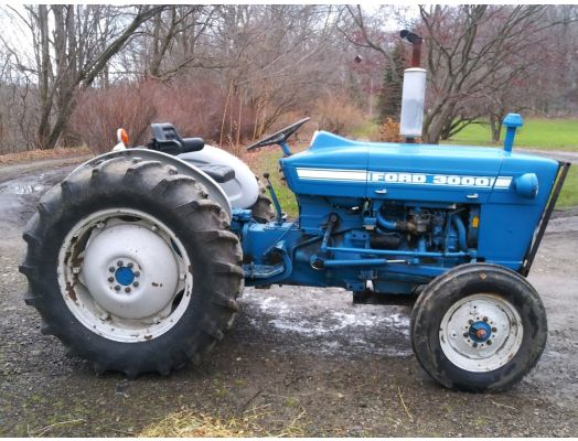 Ford 2000 gas tractor